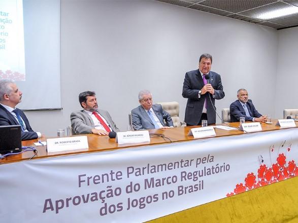 Quais as vias para obter uma lei que autoriza cassinos no Brasil